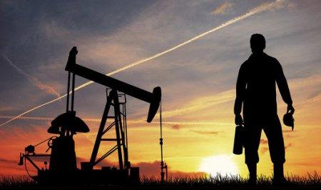 Цены на «черное золото» упали почти на 3%
