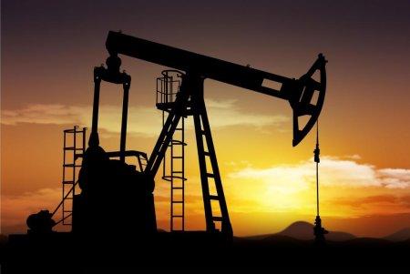 Цены на нефть растут, Brent стремится к $75 за баррель