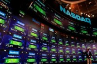 Обзор: мировые рынки в боковике, российские активы переваривают риски санкций