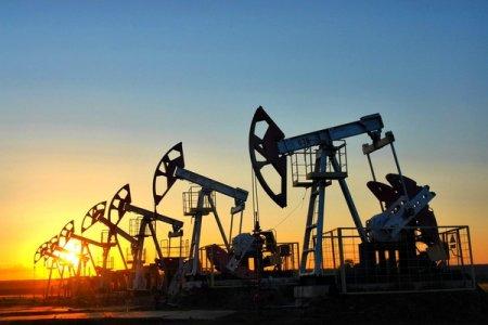 Нефть дешевеет на данных о запасах в США