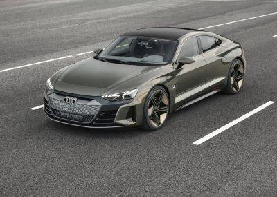 Photo of Audi Q4 e-tron получил два электромотора